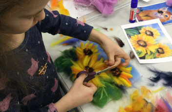 blog_painting_with_wool_for_children